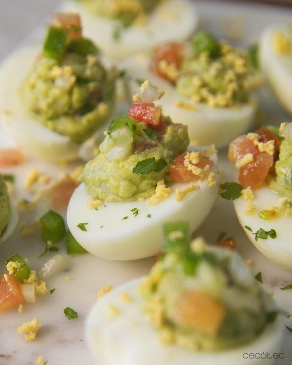 OllaGM_Huevos rellenos de guacamole_RRSS-min
